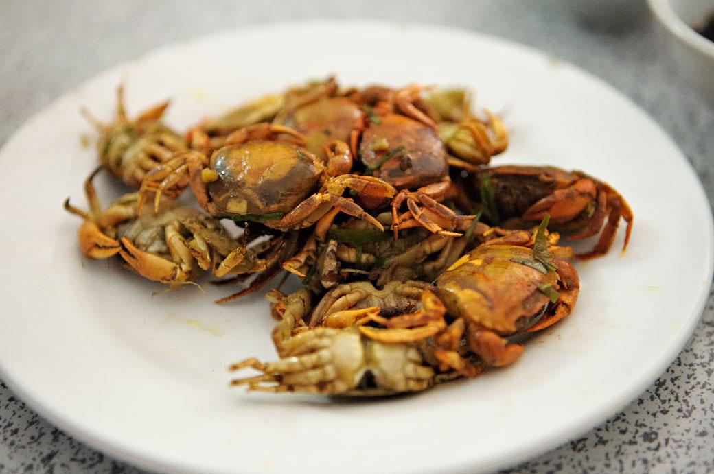 Petits crabes d'eau douce frits, Vietnam