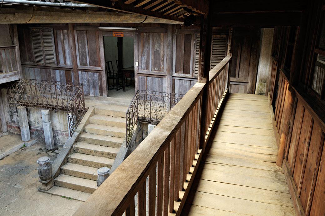À l'intérieur du Palais de l'ancien roi des Hmongs, Vietnam