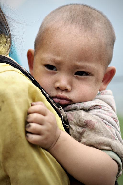 Bébé dans la province de Hà Giang, Vietnam
