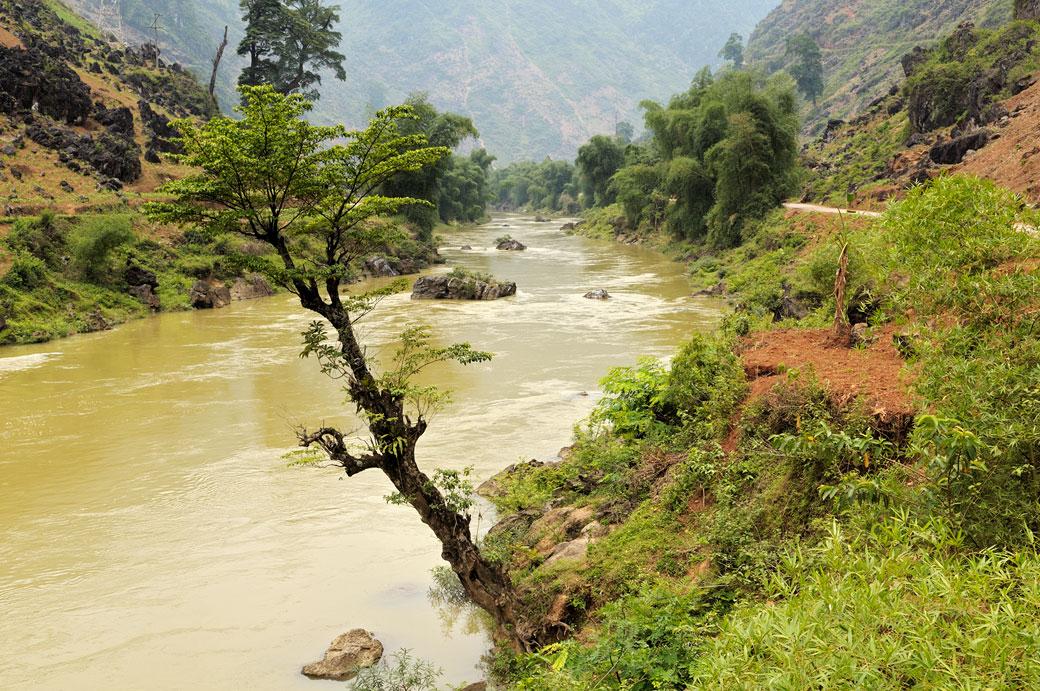 Rivière Lô entre Hà Giang et Dong Van au nord du Vietnam
