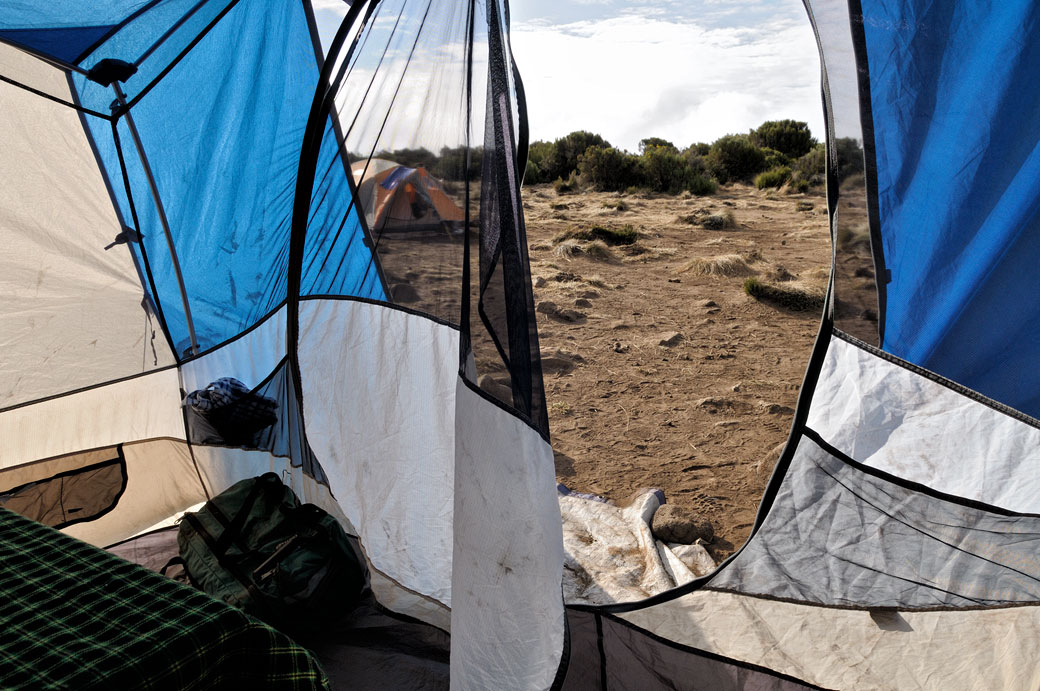 Tentes au camp Shira 1 sur le Kilimandjaro, Tanzanie