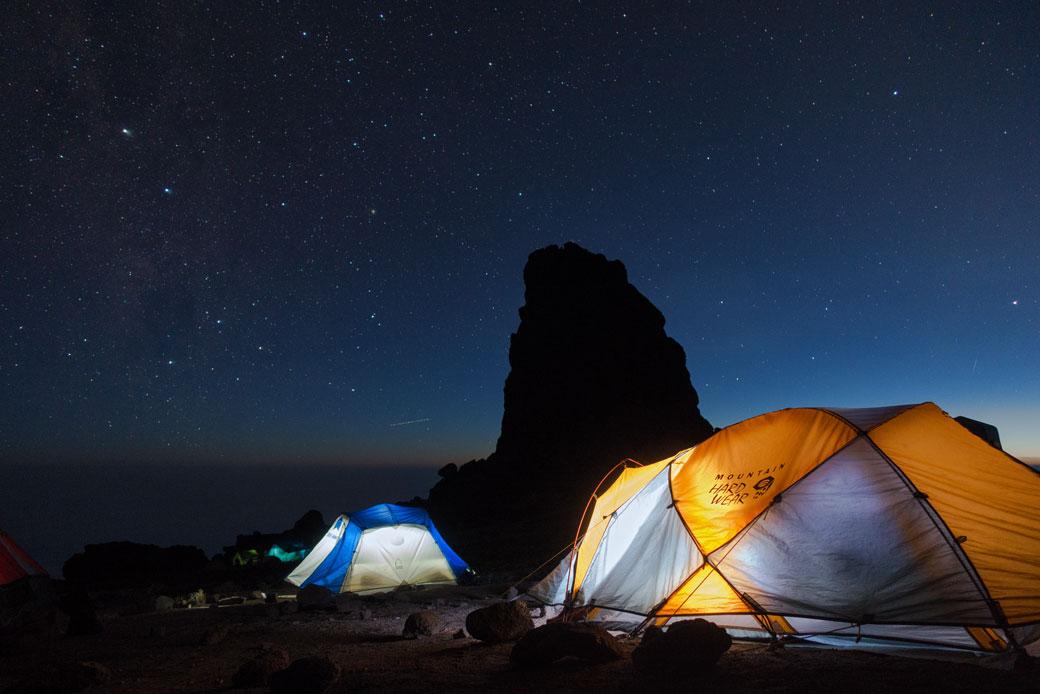 Nuit étoilée au camp de Lava Tower sur le Kilimandjaro, Tanzanie