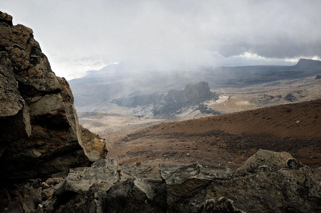 Nuages au-dessus de Lava Tower depuis Arrow Glacier, Tanzanie