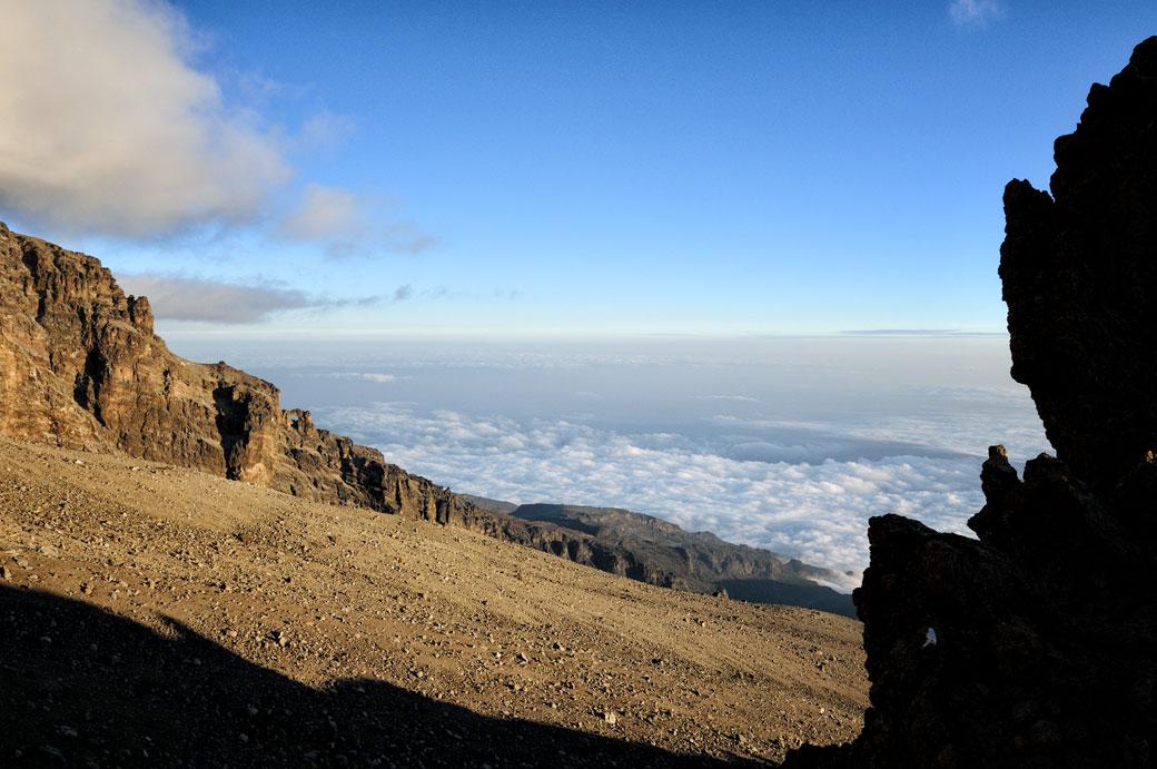 Vue dégagée sur le Kilimandjaro à Arrow Glacier Camp, Tanzanie