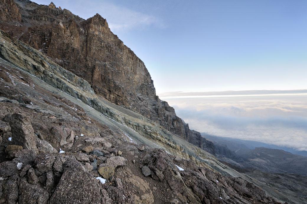 Falaises le long de la Western Breach sur le Kilimandjaro