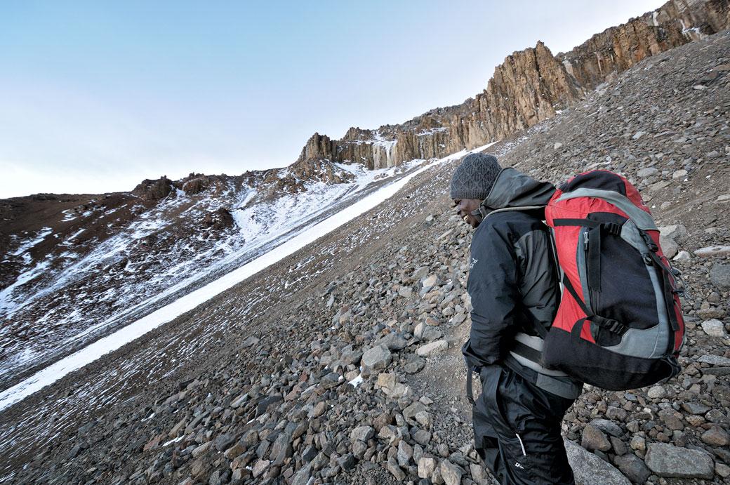 Dismas Agger sur la Western Breach du Kilimandjaro, Tanzanie
