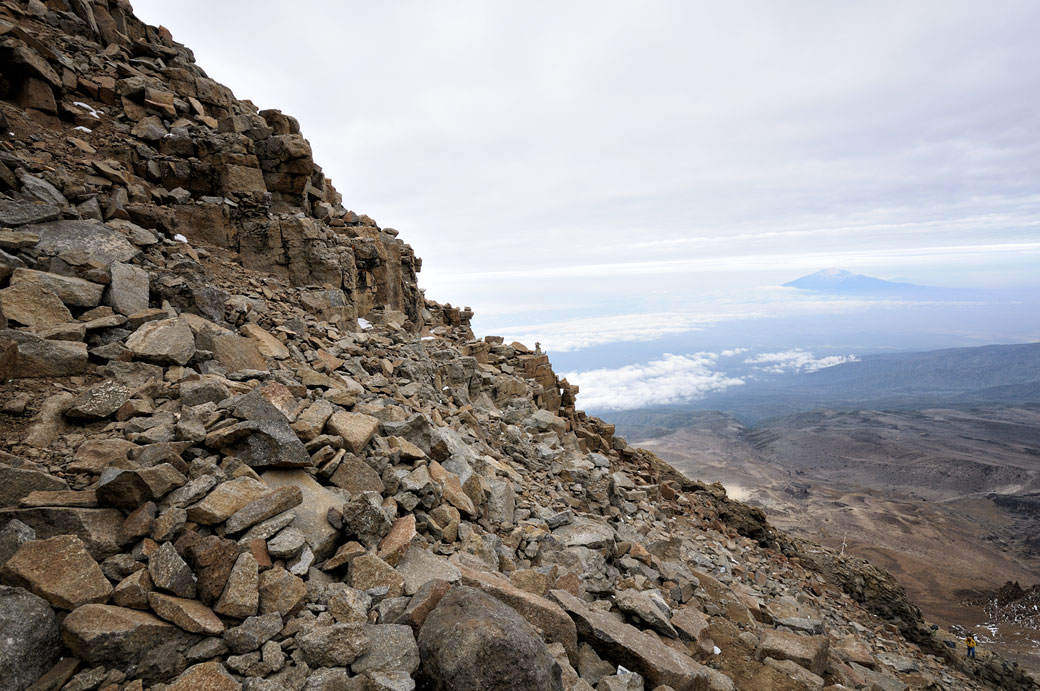 Nombreux rochers sur la Western Breach au Kilimandjaro, Tanzanie