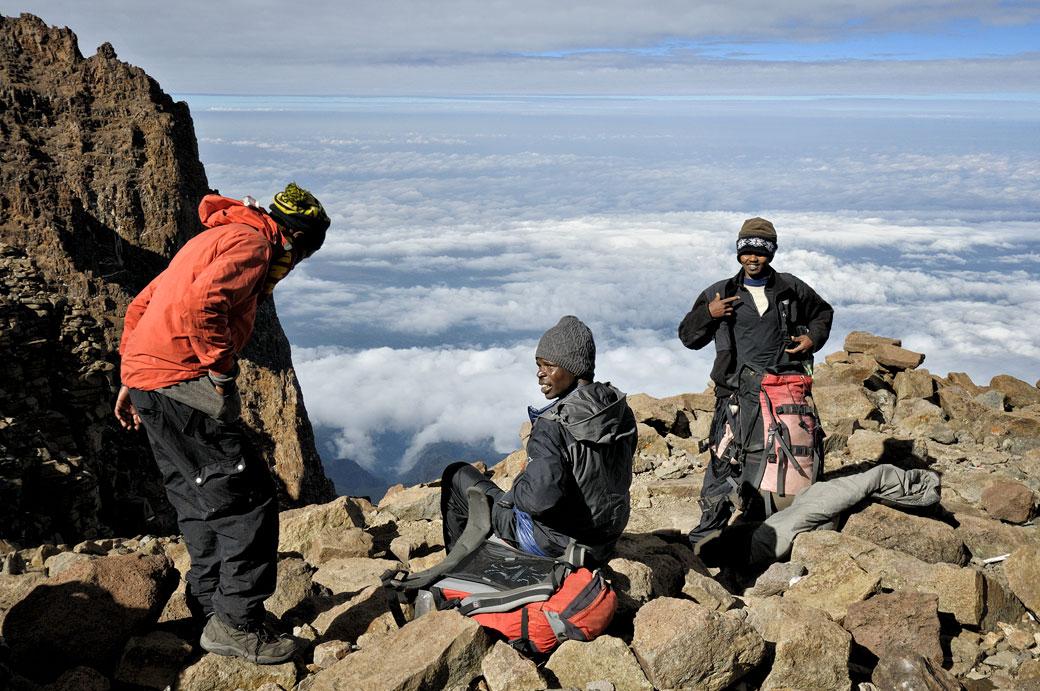 Pause au-dessus des nuages sur la Western Breach au Kilimandjaro