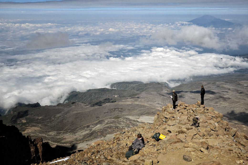 Western Breach, nuages et Mont Méru sur le Kilimandjaro, Tanzanie