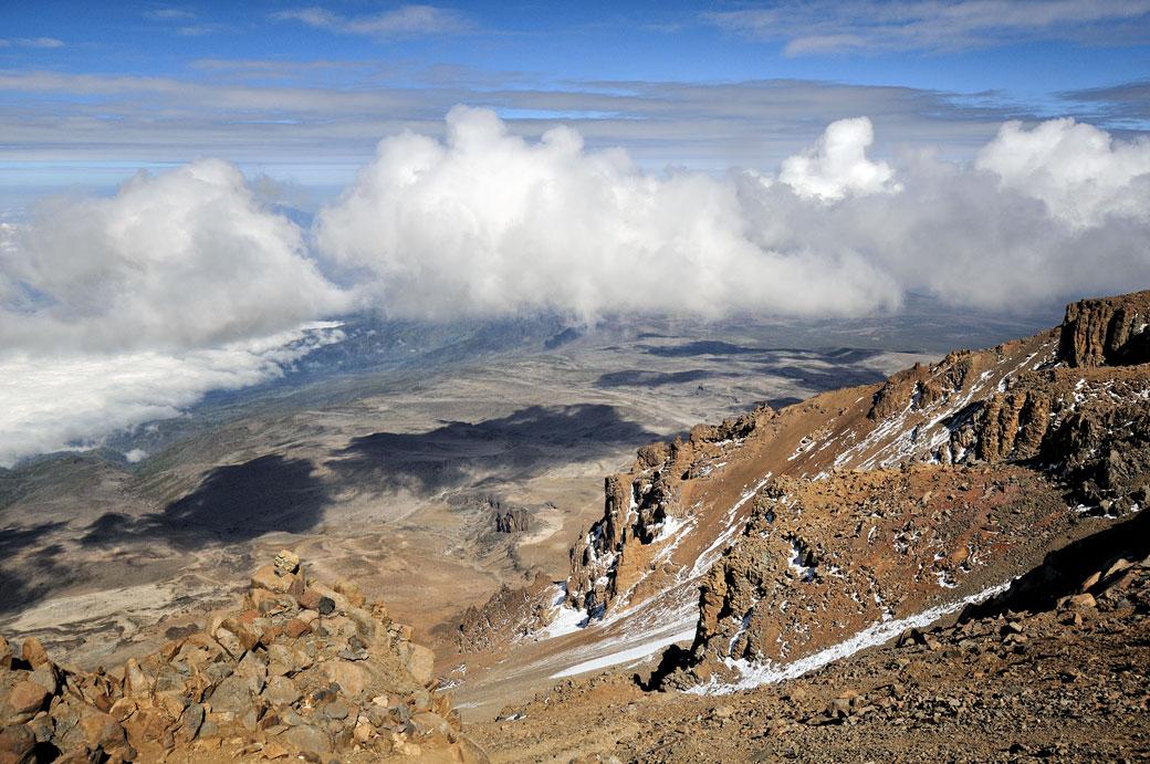 Nuages en approche sur la Western Breach au Kilimandjaro, Tanzanie