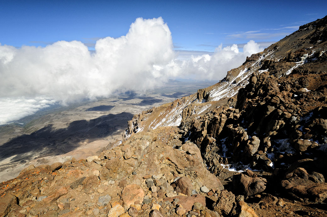 Nuages d'altitude sur la Western Breach au Kilimandjaro, Tanzanie