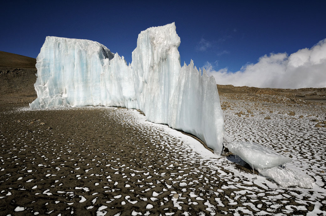 Petite partie du glacier Furtwängler sur le Kilimandjaro, Tanzanie