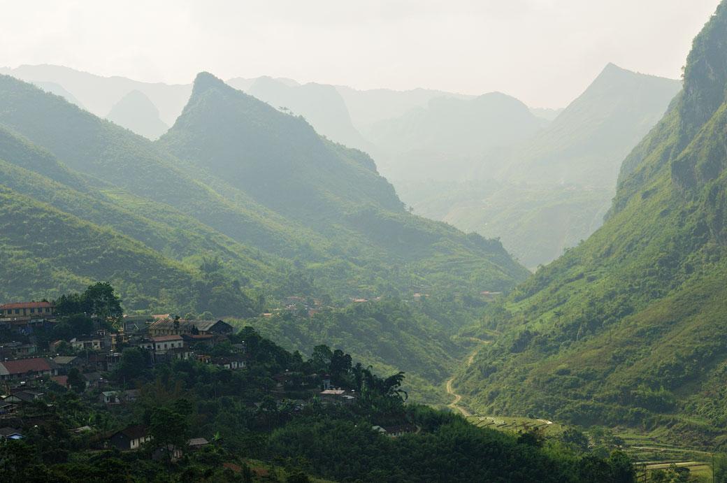 Village et montagnes au nord du pays, Vietnam