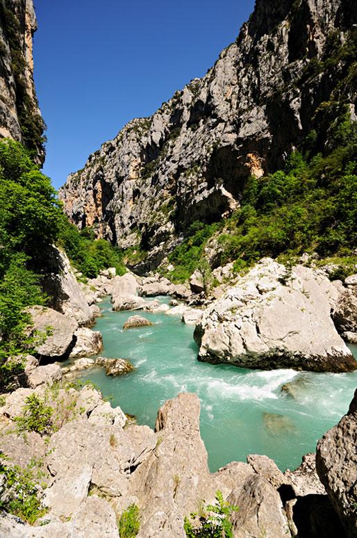 La rivière Verdon au fond des gorges, France