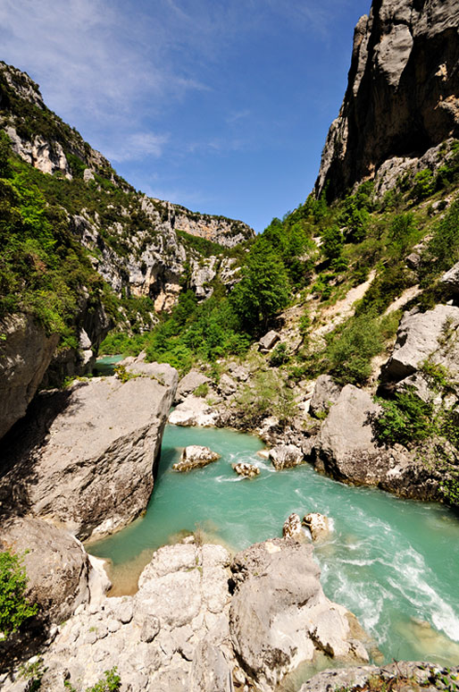 La rivière Verdon depuis le sentier de l'Imbut au fond des gorges