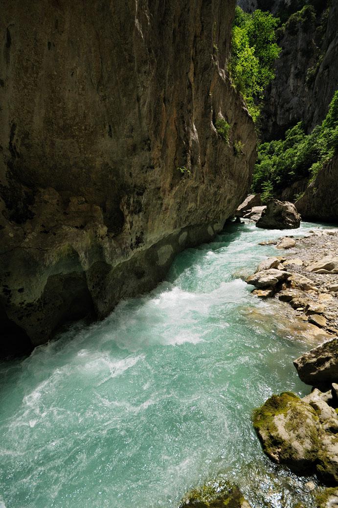 La rivière Verdon tout près de l'Imbut, France