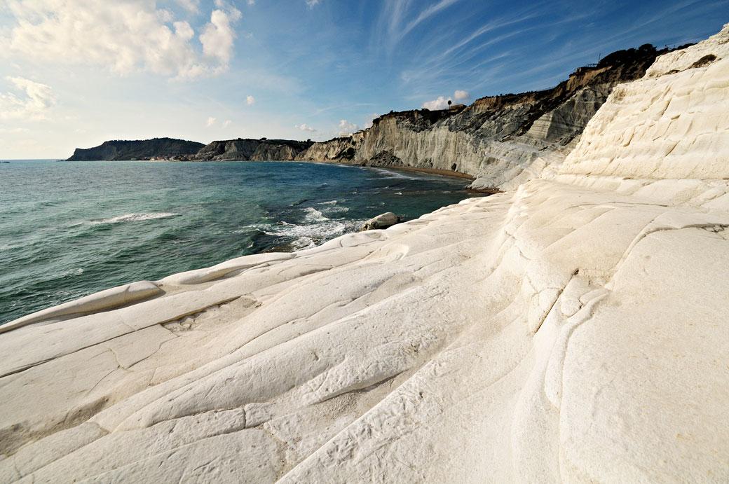 Les falaises blanches de la Scala dei Turchi en Sicile, Italie