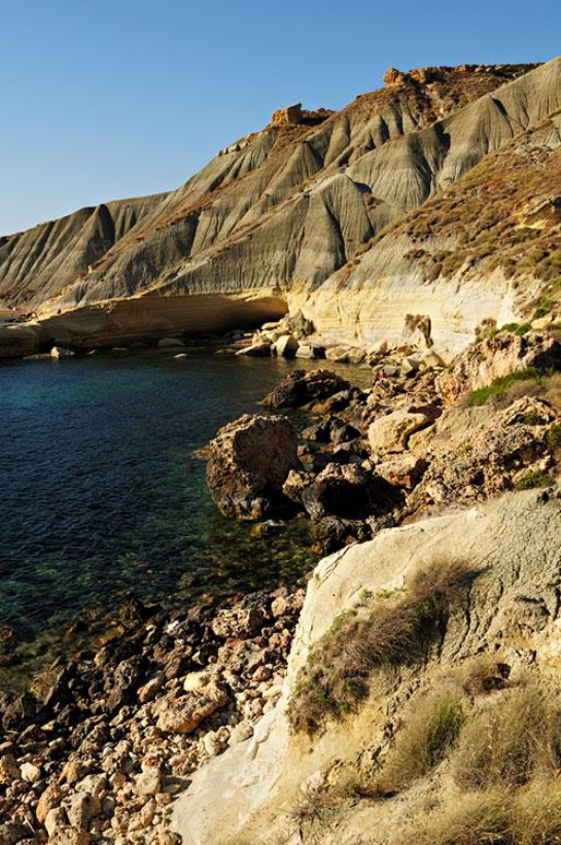 Falaises d'argile à Gnejna Bay. Malte