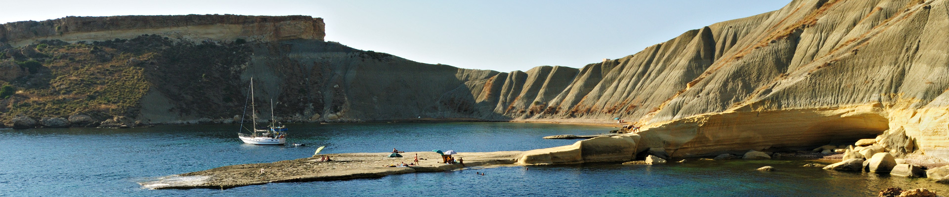 Top image Gnejna Bay à Malte