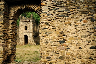 Porte et ruines de Fasil Ghebi à Gondar, Ethiopie