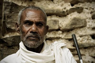 Homme aveugle près d'une église de Gondar, Ethiopie