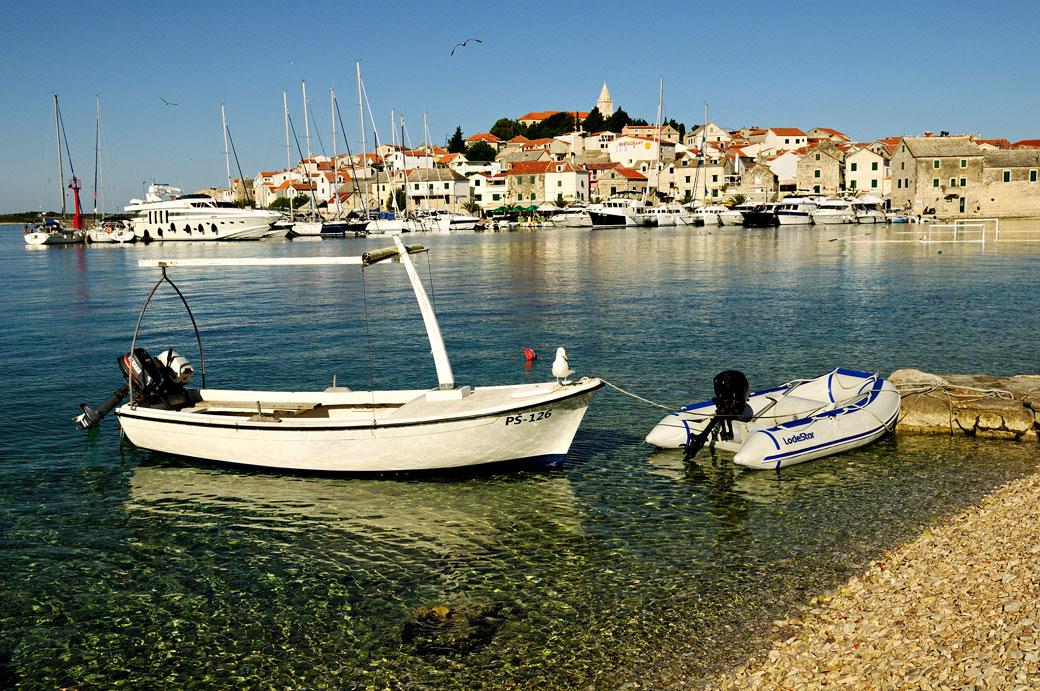 La cité historique de Primošten, Croatie