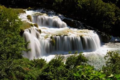 Les chutes de Skradinski Buk en pose longue, Croatie