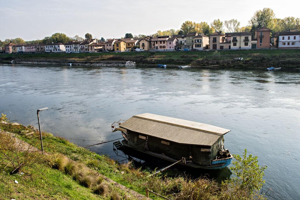 La rivière Tessin à Pavie en Lombardie, Italie