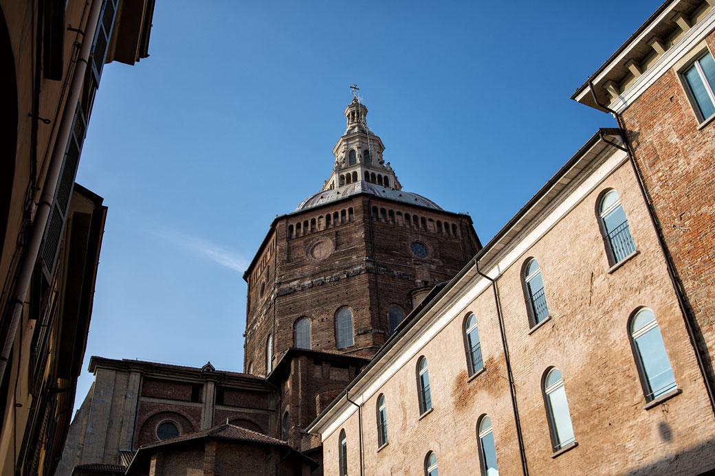 Cathédrale de Pavie et façade en Lombardie, Italie