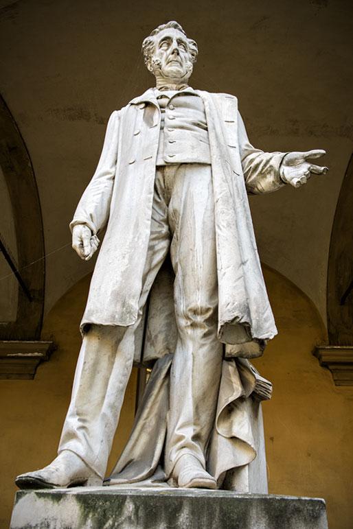 Statue de Bartolomeo Panizza à l'université de Pavie, Italie
