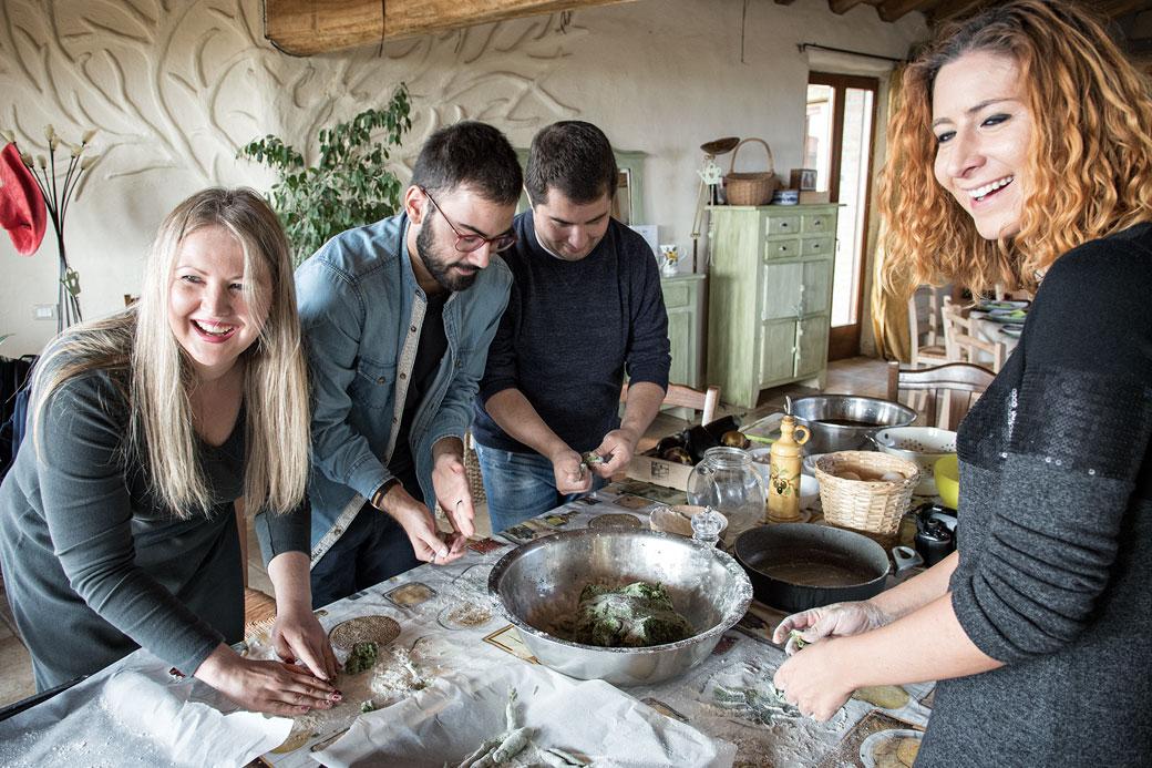 Cuisiner avec le sourire à la Casa di Paglia, Italie