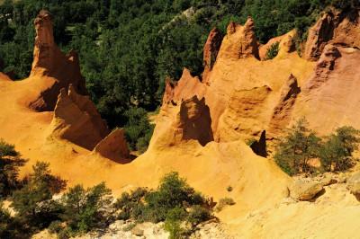 Cheminées des fées au Colorado Provençal de Rustrel, France