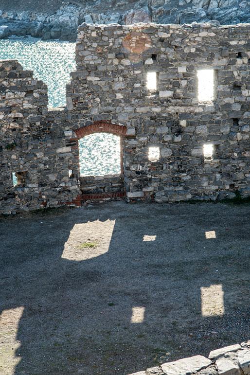 Muraille de Portovenere en Ligurie, Italie