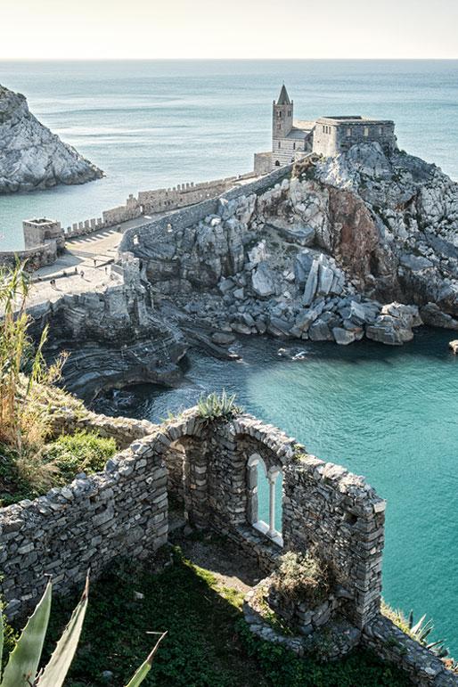 Église Saint-Pierre sur un rocher de Portovenere, Italie