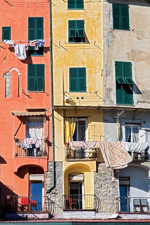 Façades colorés de Portovenere, Italie
