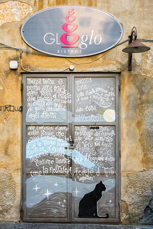 Glo glo bistrot dans le centre historique de Gênes, Italie
