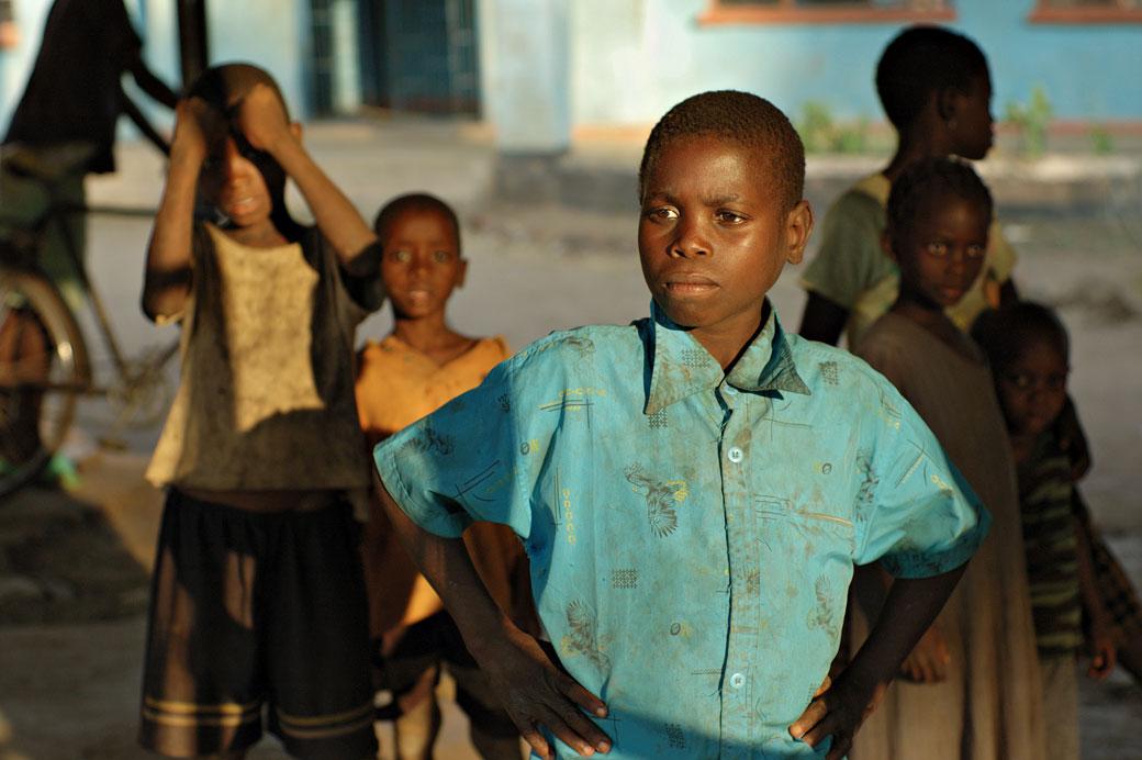 Groupe d'enfants au village de Kawaza, Zambie