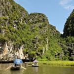 Vietnam : Tam Coc et sa rivière, ses rizières et ses temples