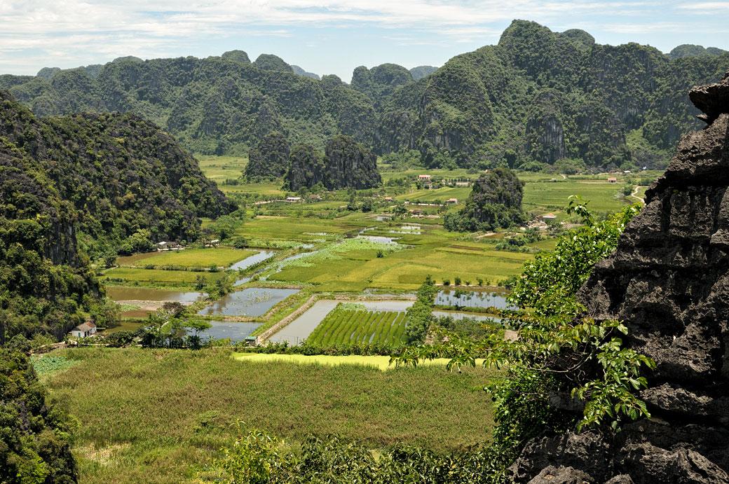 Panorama depuis la pagode de Bich Dong à Tam Coc, Vietnam