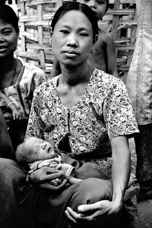 Jeune maman et son bébé, Birmanie