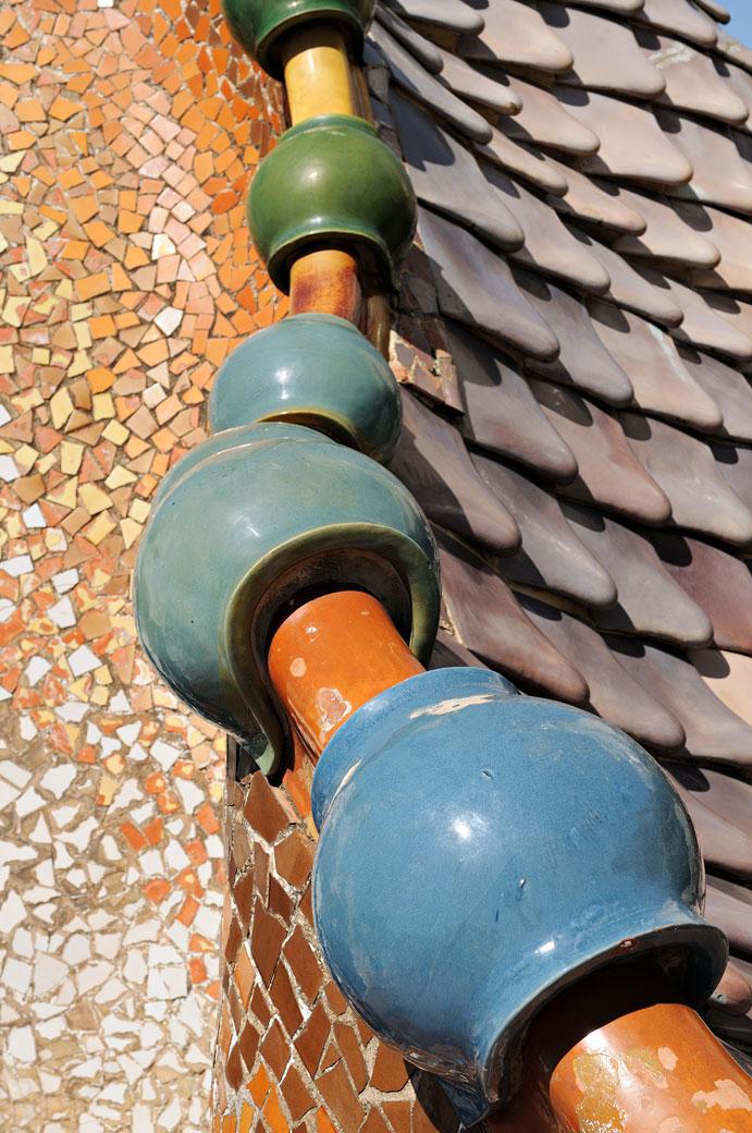 Détail du toit de la Casa Batlló à Barcelone, Espagne