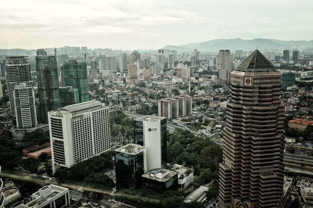 La ville de Kuala Lumpur depuis les tours jumelles, Malaisie