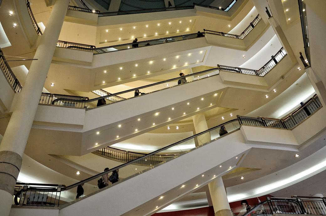 Escaliers mécaniques du centre commercial Suria KLCC, Malaisie