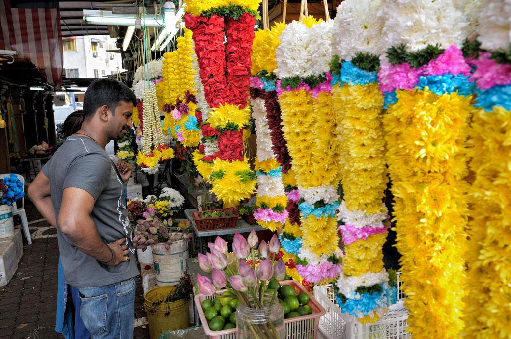 Marché aux fleurs dans le quartier de Brickfields à Kuala Lumpur
