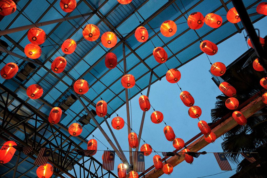 Lanternes au marché de Petaling Street à Kuala Lumpur