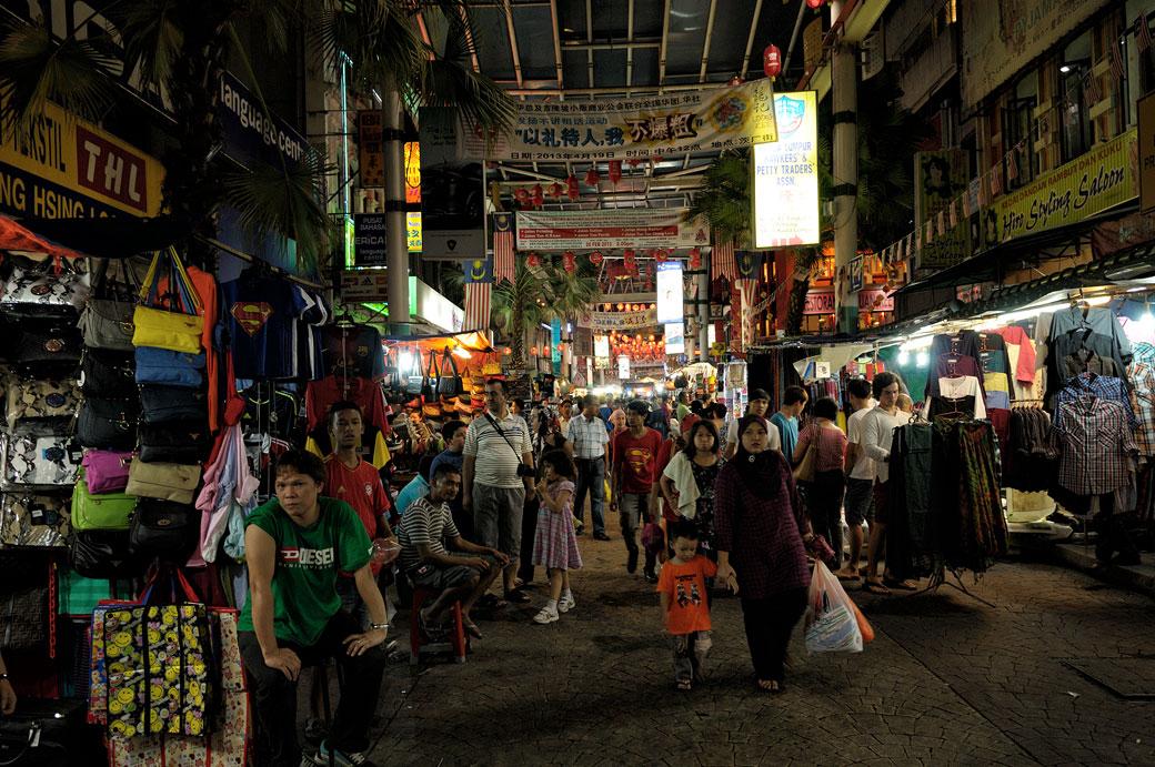 Marché nocturne de Chinatown à Kuala Lumpur