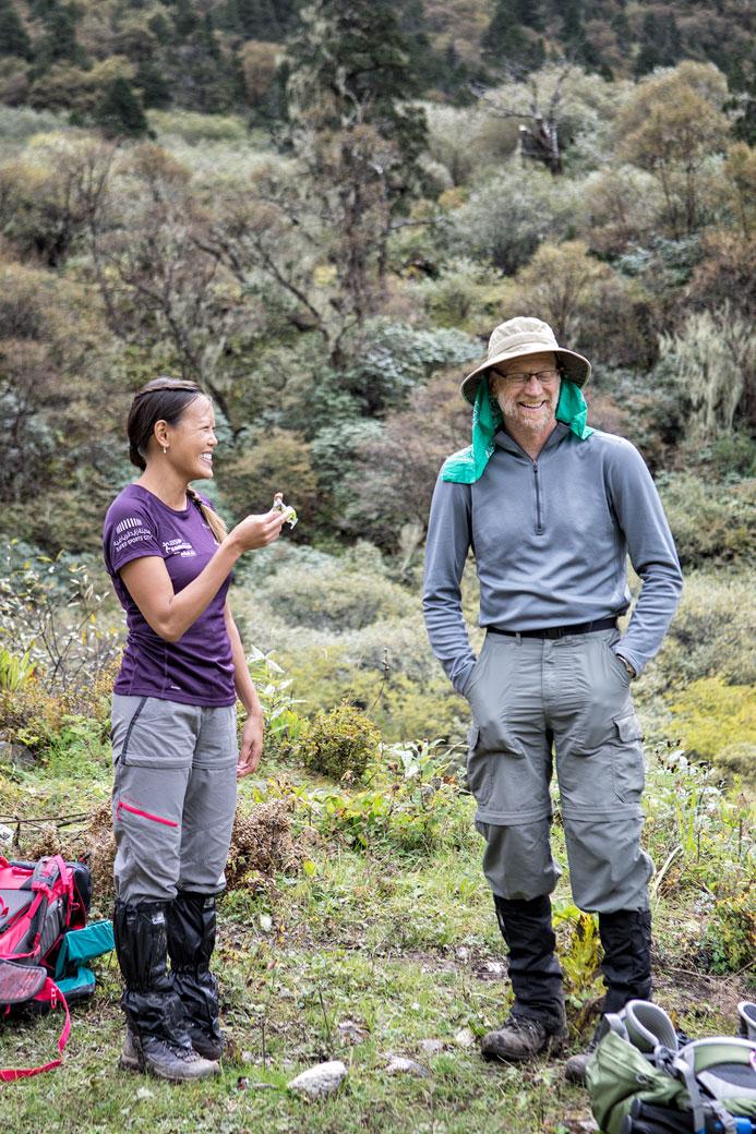 Bonne ambiance entre trekkeurs, Bhoutan