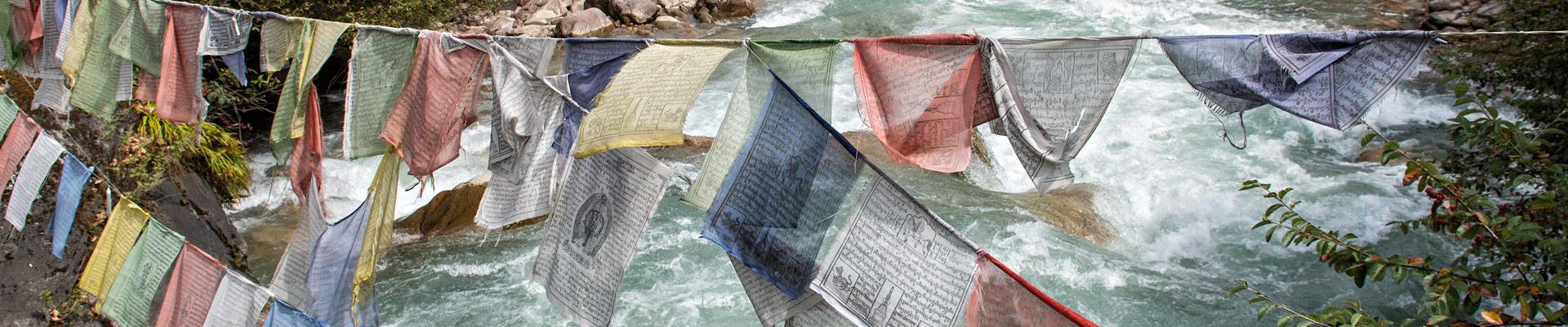 Top image drapeaux de prières Shana, Bhoutan