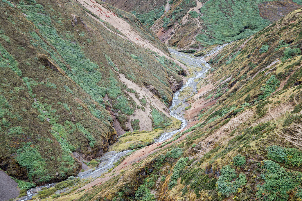 Vallée et rivière entre Nyile La et Lingshi, Bhoutan