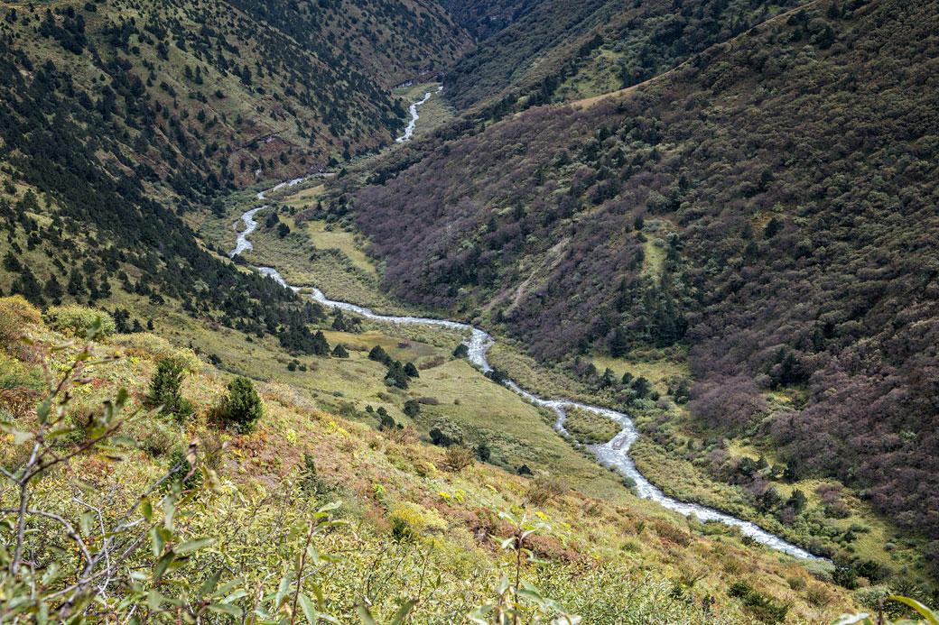 Rivière entre Lingshi et Chebisa, Bhoutan